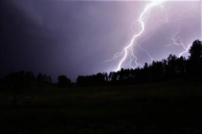 161209bbcut-lightning