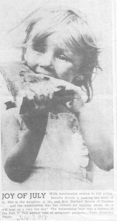 170118bbcut-eatingwatermelon