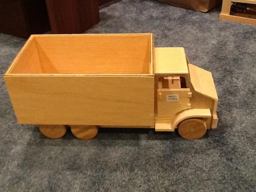 170706bbcut-toytruck