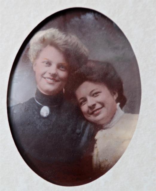 170726bbcut-familypicture1