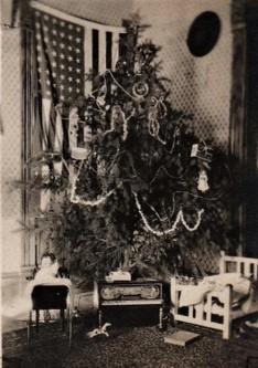 171127bbcut-1917christmas