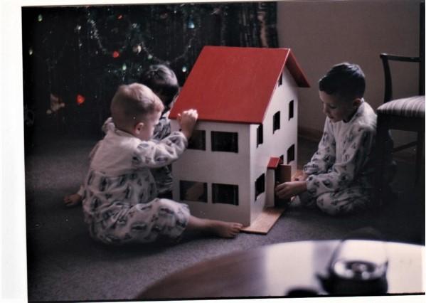 171216bbcut-dollhouse