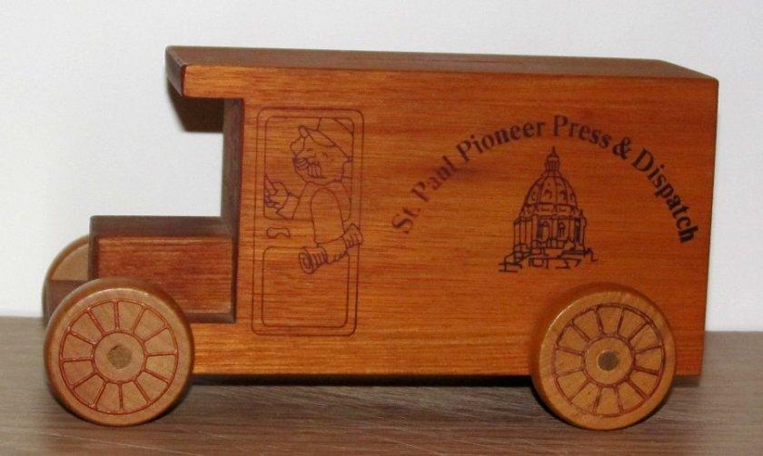 180117bbcut-toybanktruck