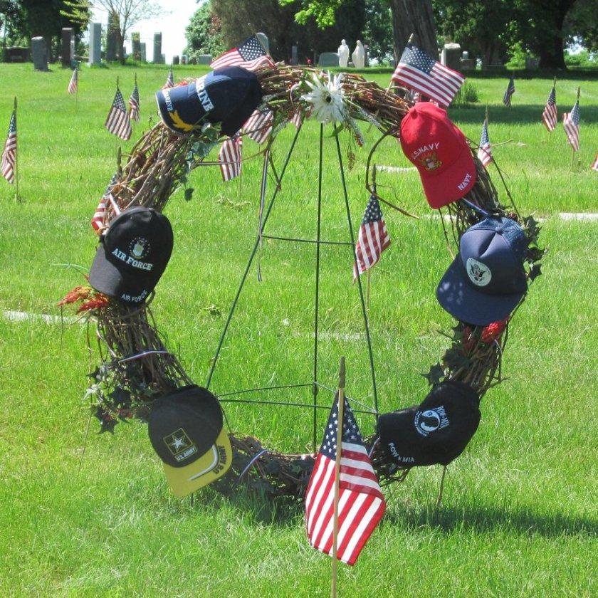 180529bbut-wreath1