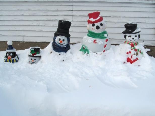 190226bbcut-snowgnomes5