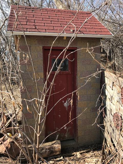 200316bbcut-brickouthouse1
