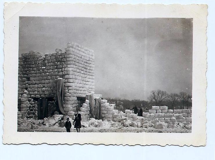 1942 Ice Palace