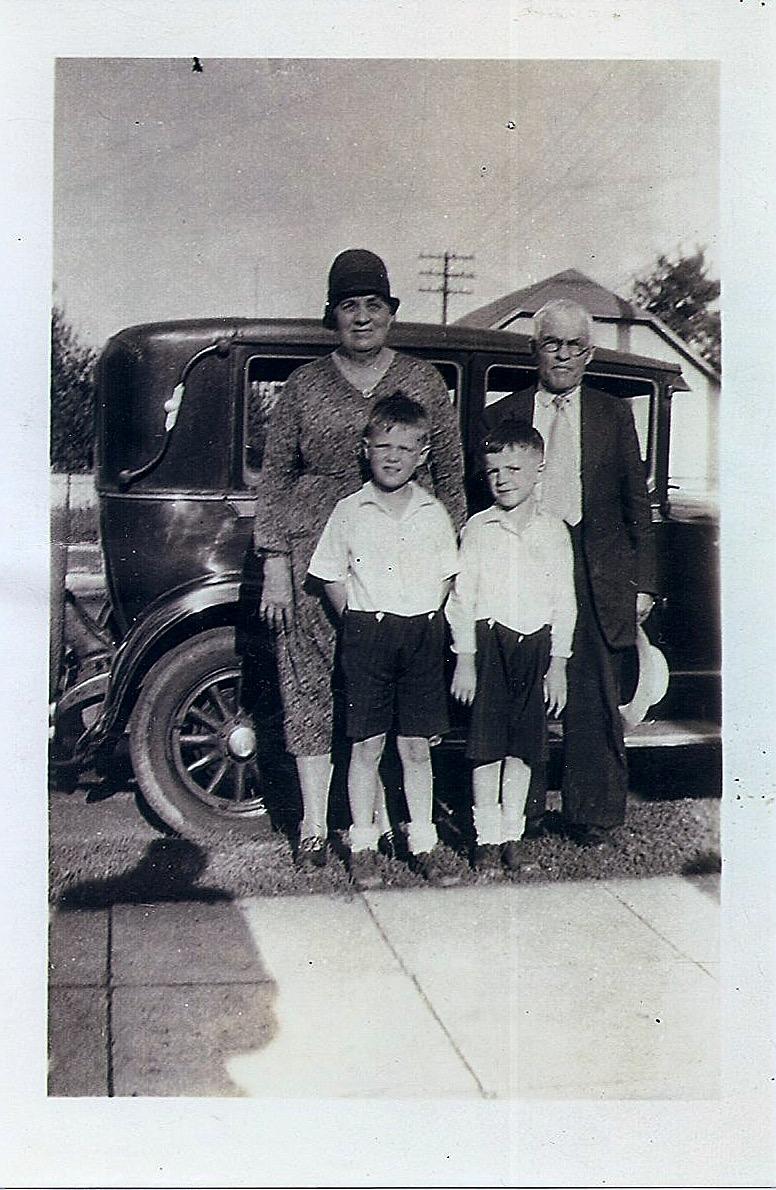 family of 4, w: car
