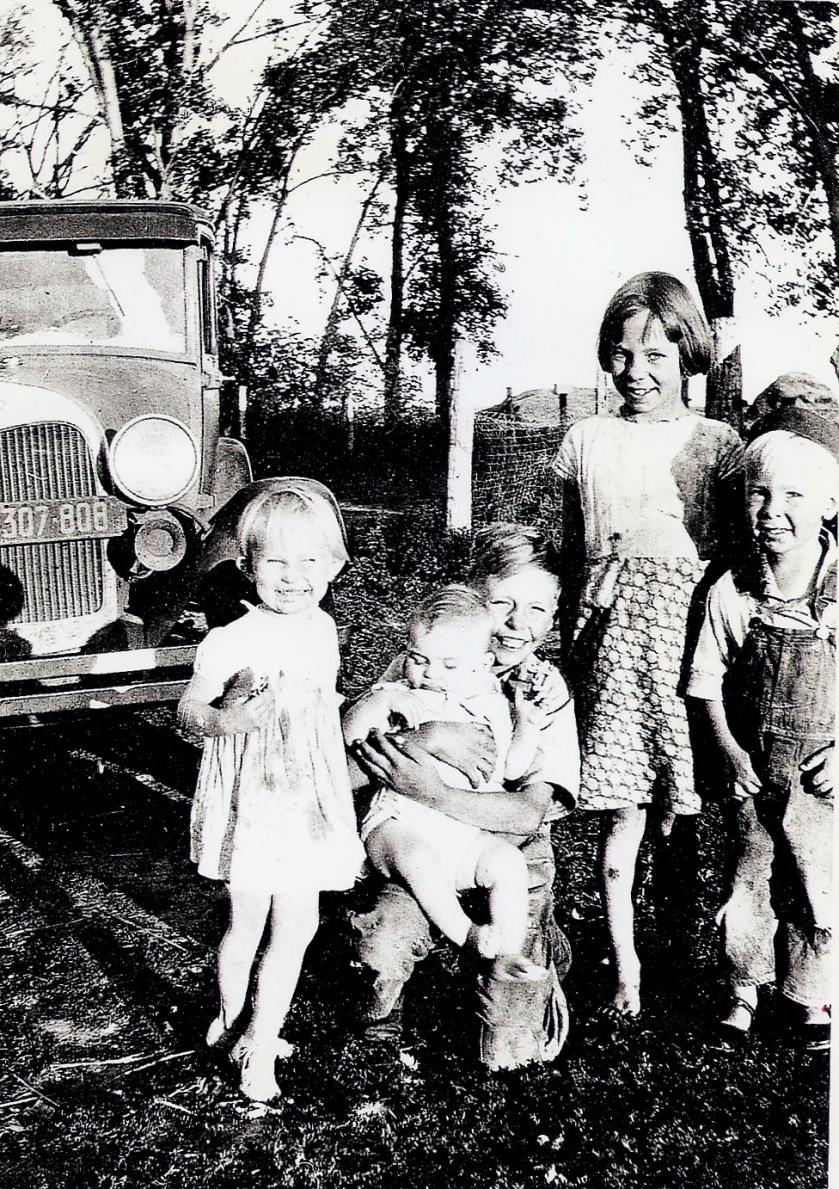 Kids & a car, 1935, Ada