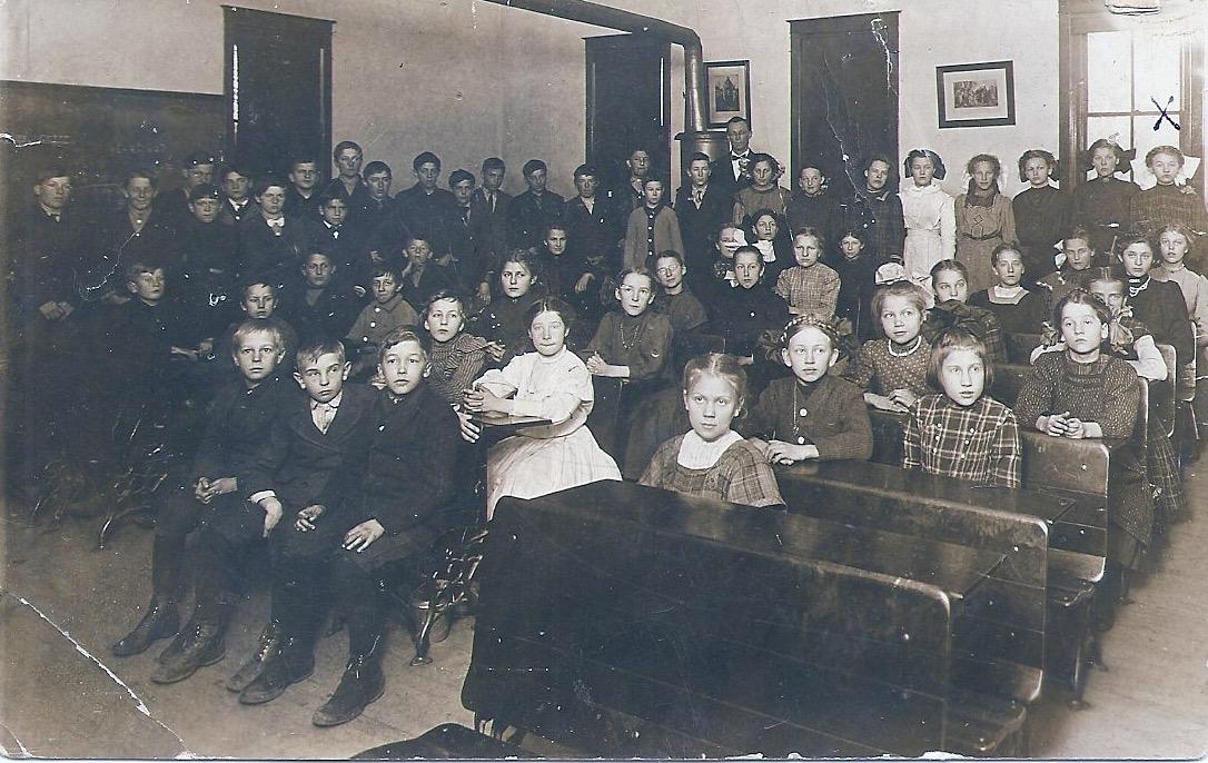 Menomonie class of 1885